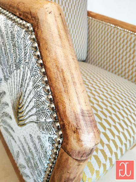 Finition clous décoratifs tapissier nickelés