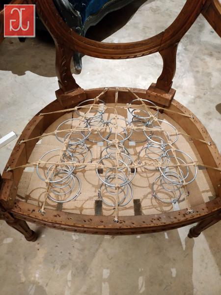 Garnissage traditionnel en crin sur ressorts