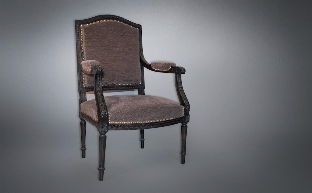 Aurélie Legrand Tapissière artisan Apt fauteuil louis xvi