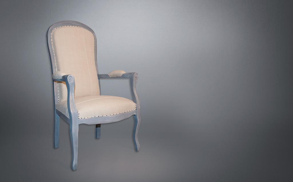Aurélie Legrand Tapissière artisan Apt fauteuil voltaire