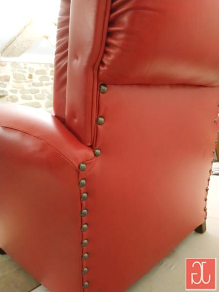 Finition clous tapissier anodisés - Aurélie Legrand tapissière