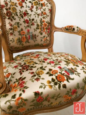 Finition clous décoratifs bronze vieilli - Aurélie Legrand tapissière